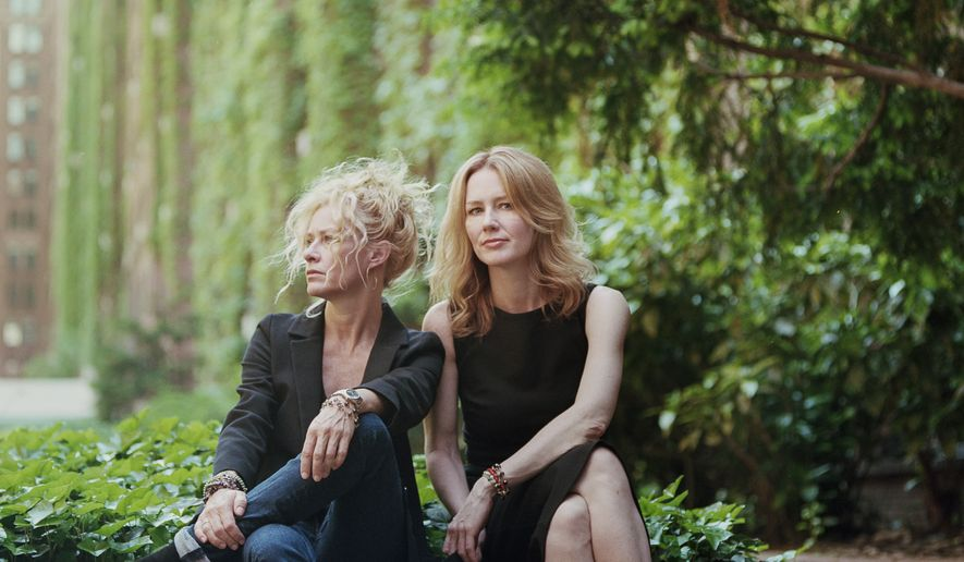Allison Moorer (right) and Shelby Lynne.  (Jacob Blickenstaff)