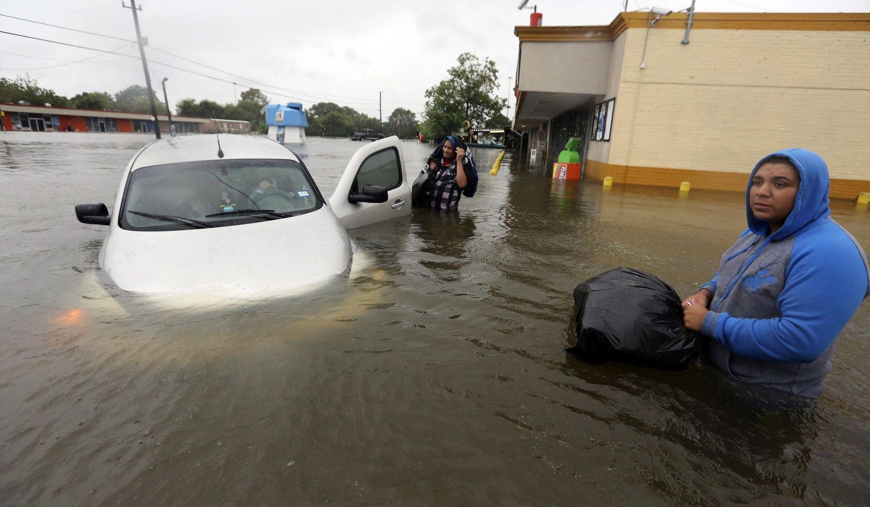 The Latest: 2nd major shelter for Harvey evacuees opens - Washington
