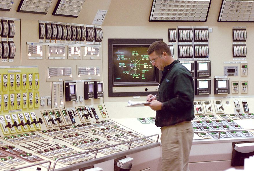 Image of nuclear reactor control room courtesy of Nuclear Energy Institute.