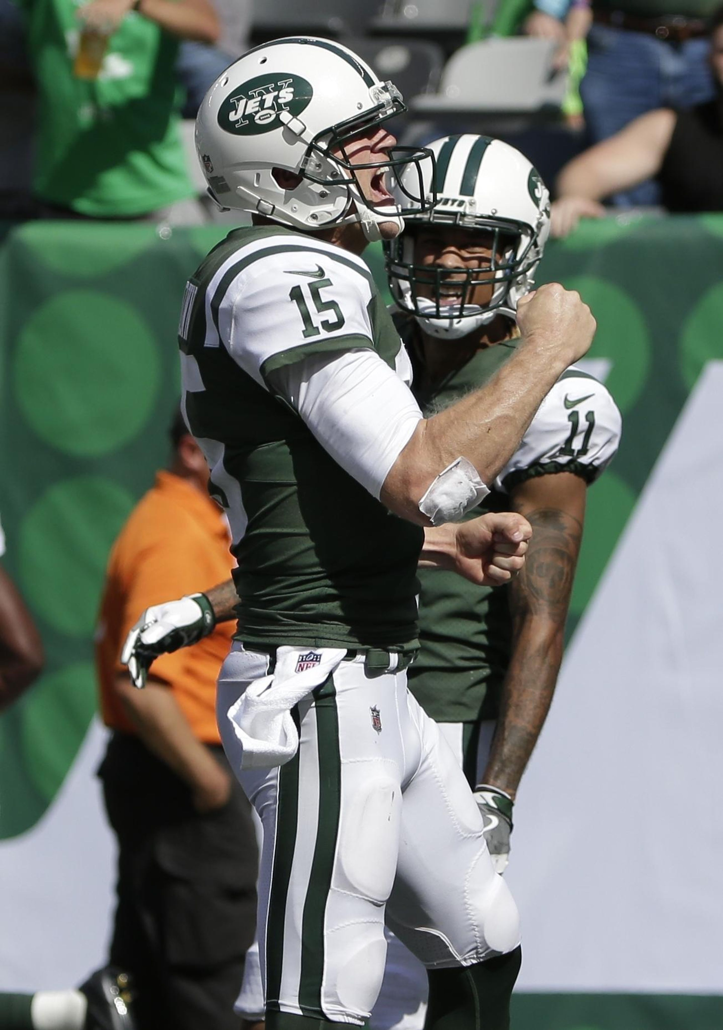 Dolphins_jets_football_23110_s2875x4096