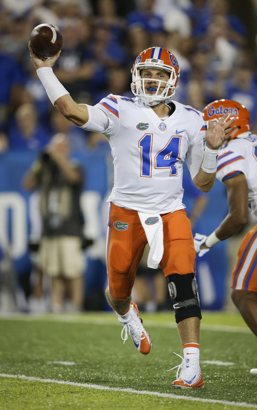 File-This Sept. 23, 2017, file photo shows Florida quarterback Luke Del Rio throwing a pass during the second half of an NCAA college football game against Kentucky in Lexington, Ky. No. 21 Florida is giving  Del Rio another chance to start, making the switch from Feleipe Franks after the redshirt freshman was benched in two of three games this season.Coach Jim McElwain made the announcement Monday, Sept. 25, 2017, choosing to go with Del Rio when the Gators (2-1, 2-0 Southeastern Conference) host Vanderbilt (3-1, 0-1) on Saturday. (AP Photo/David Stephenson, File)