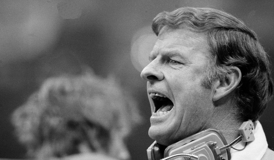 In this Jan. 15, 1978, file photo, Red Miller, head coach of the Denver Broncos, yells to his team from the sidelines during NFL football's Super Bowl XII against the Dallas Cowboys  in New Orleans. Miller, the fiery head coach who led the Broncos to their first Super Bowl, has died after complications from a stroke. He was 89.  (AP Photo/File(