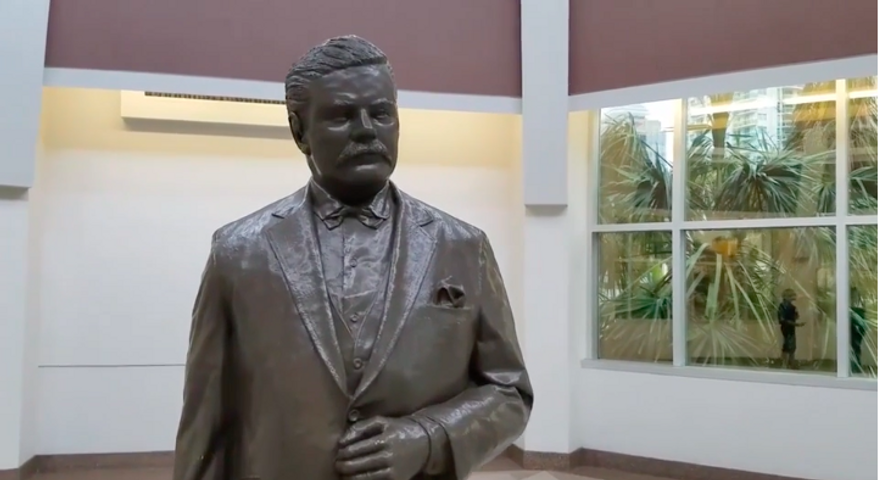 A statue of Gov. Napoleon Bonaparte Broward inside the Broward County [Fla.] Courthouse, screen captured from a Sun-Sentinel video (Sun Sentinel) [http://www.sun-sentinel.com/local/broward/fl-sb-broward-statue-controversy-20170927-story.html]