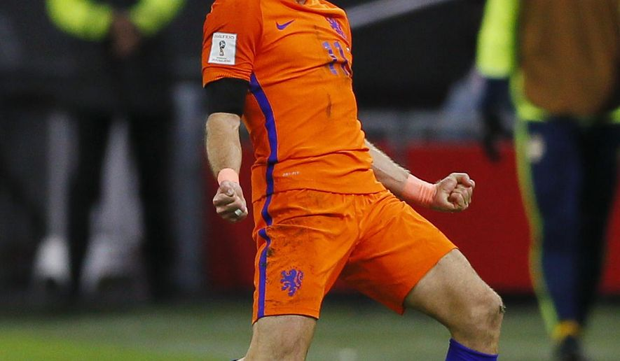 Netherland's Arjen Robben celebrates after scoring the second goal during a World Cup Group A soccer qualifying match between the Netherlands and Sweden at the ArenA stadium in Amsterdam, Netherlands, Tuesday, Oct. 10, 2017. (AP Photo/Peter Dejong)
