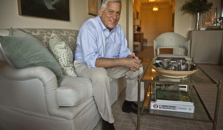 """FILE - In this Oct. 3, 2014 photo, author Walter Isaacson poses before an interview at his home in New York. Isaacson's latest book, """"Leonardo da Vinci,"""" comes out Oct. 17. (AP Photo/Bebeto Matthews, File)"""