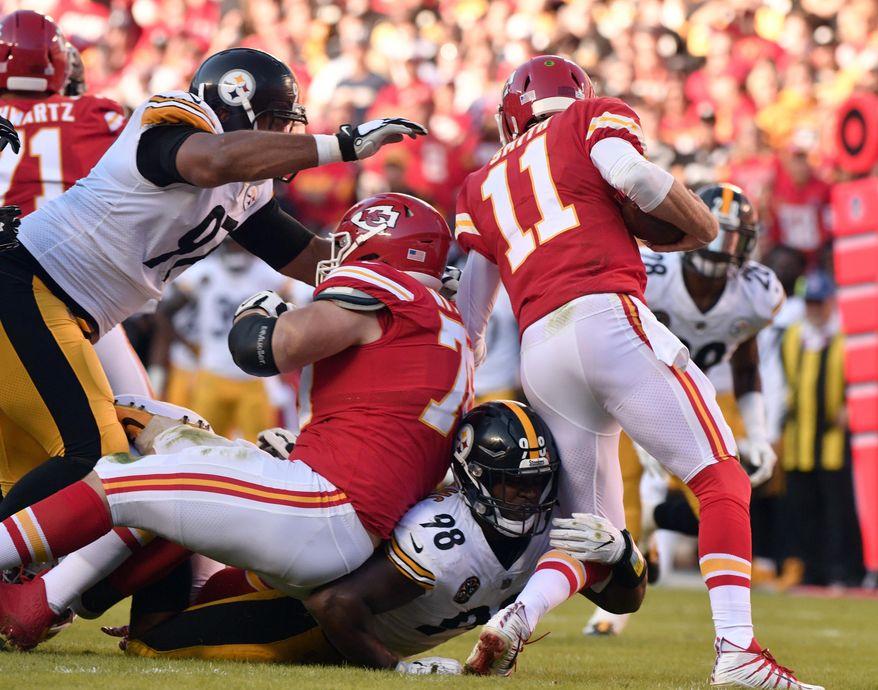 Pittsburgh Steelers linebacker Vince Williams (98) sacks Kansas City Chiefs quarterback Alex Smith (11) during the first half of an NFL football game in Kansas City, Mo., Sunday, Oct. 15, 2017. (AP Photo/Ed Zurga)