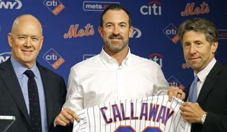 New York Mets general manager Sandy Alderson, left, and Chief Operating Officer Jeff Wilpon, right, pose for pictures with the Mets' new manager Mickey Calloway after naming Calloway as a replacement for former Mets manager Terry Collins, Monday, Oct. 23, 2017, during a news conference at CitiField in New York. Calloway comes to the Mets from the Cleveland Indians, where he was their pitching coach. (AP Photo/Kathy Willens)