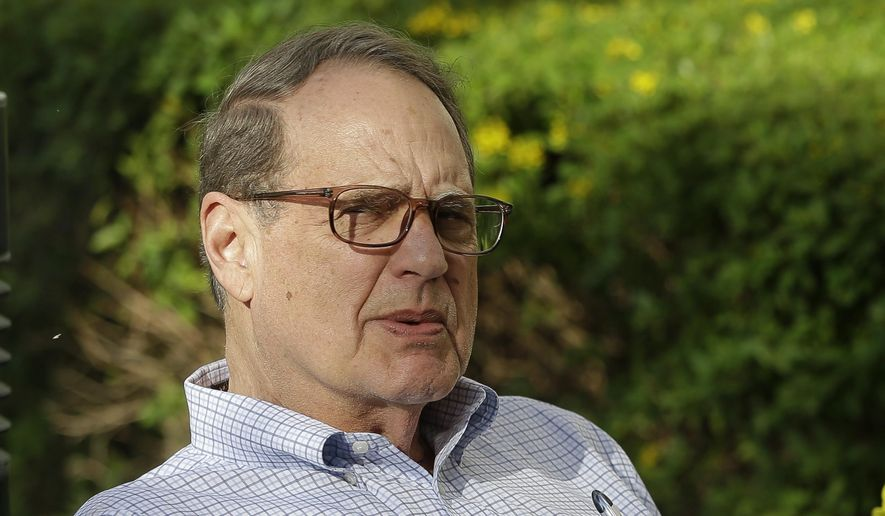 Jerry Reinsdorf, owner of the Chicago White Sox, relaxes at the annual MLB baseball general managers' meetings, Tuesday, Nov. 14, 2017, in Orlando, Fla. (AP Photo/John Raoux)