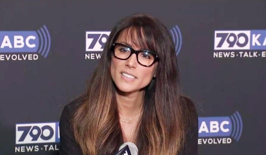 Al Franken's Accusers >> Tom Arnold Claims Leeann Tweeden An Al Franken Accuser Was