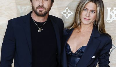Wanderlust co-stars Jennifer Aniston and Justin Theroux's relationship allegedly started while he was still with his girlfriend of 14 years, Heidi Bivens