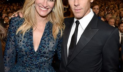 Actress Julia Roberts and cinematographer Daniel Moder began their relationship on the set of her film The Mexican in 2000, while he was still married Vera Steimberg. After his divorce from Steimberg was finalized, he and Roberts wed on July 4, 2002, in a small ceremony at her ranch in Taos, New Mexico.