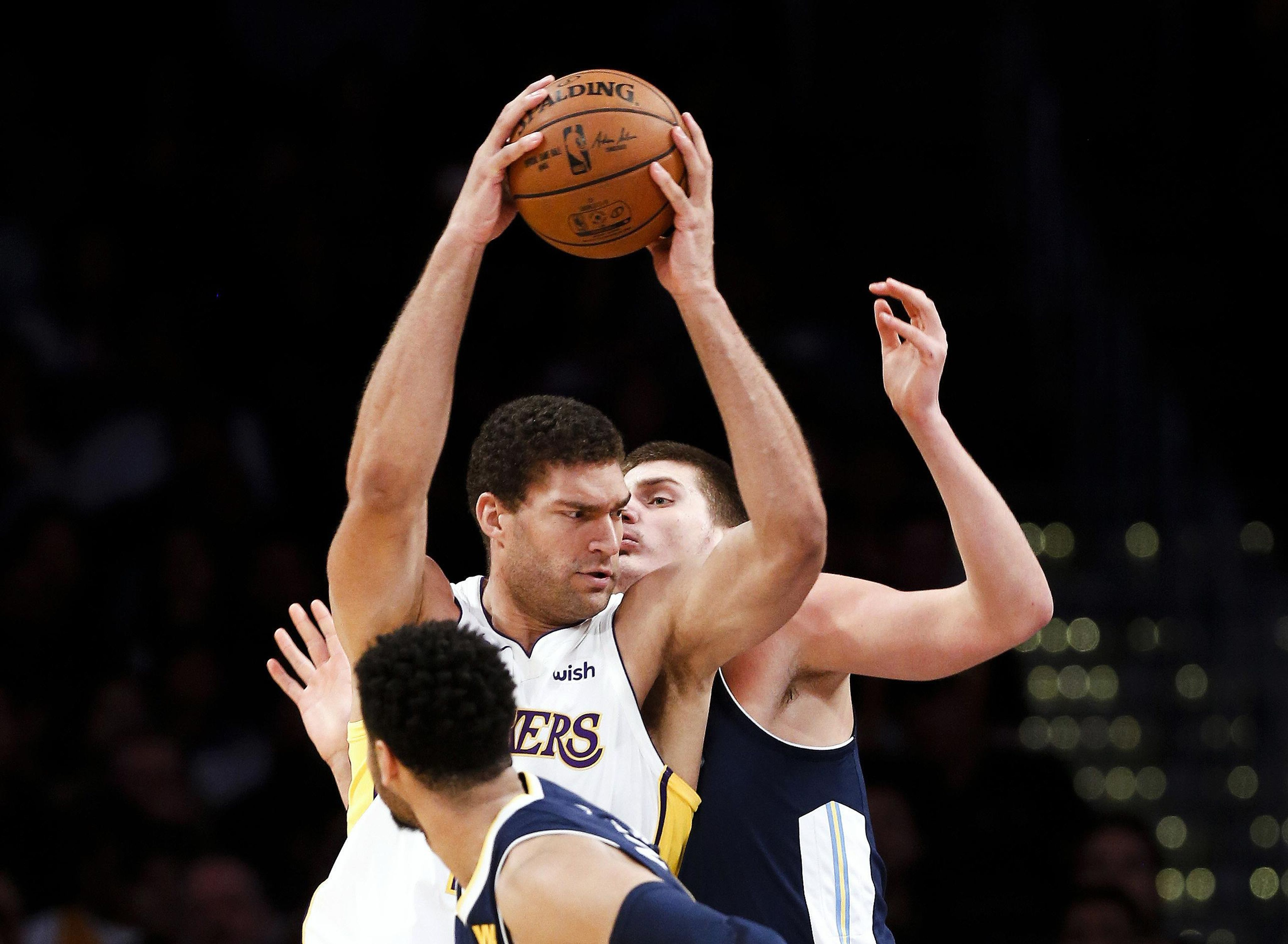 Nuggets_lakers_basketball_40374_s4096x3002