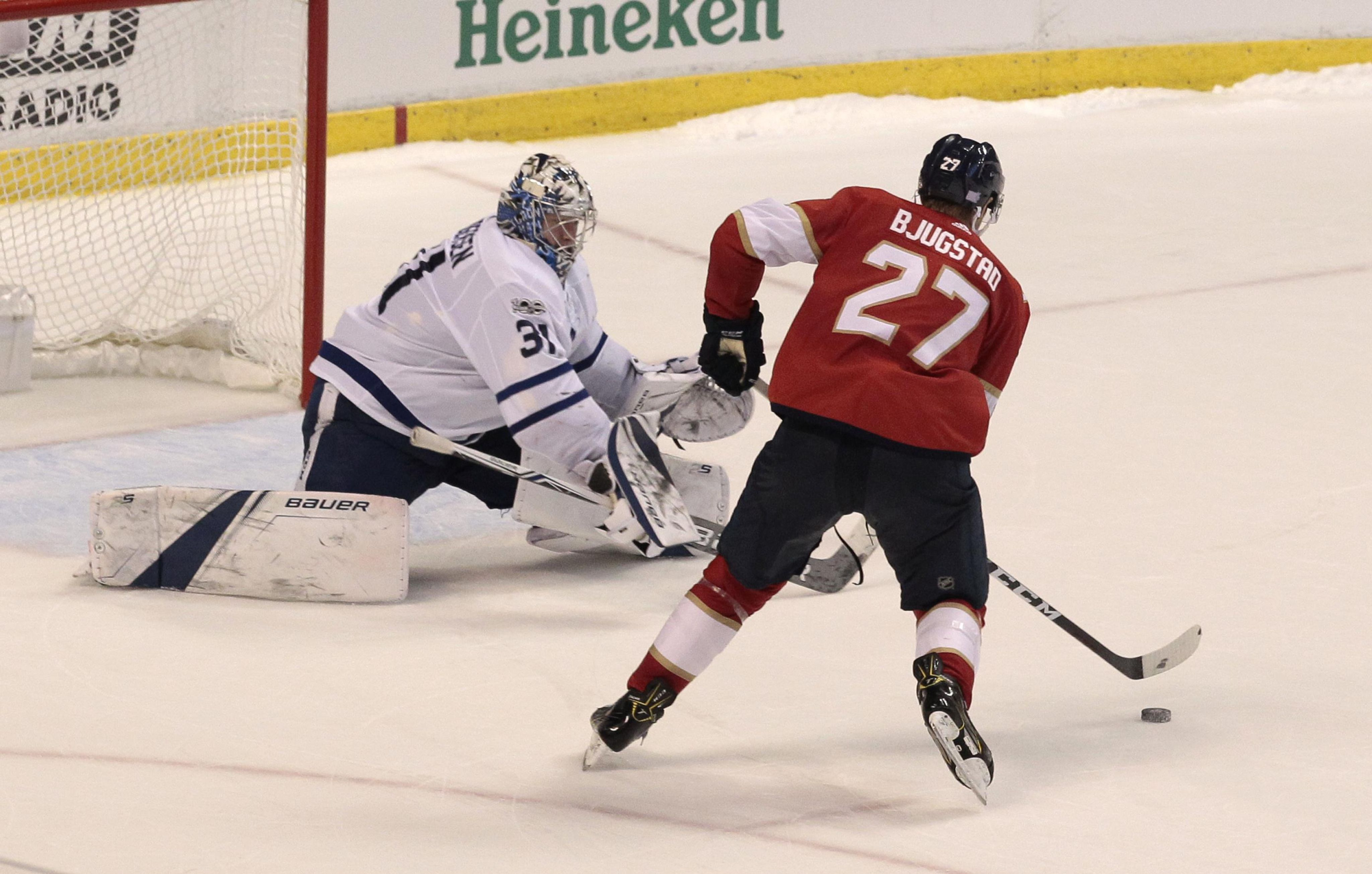 Maple_leafs_panthers_hockey_17749_s4096x2611
