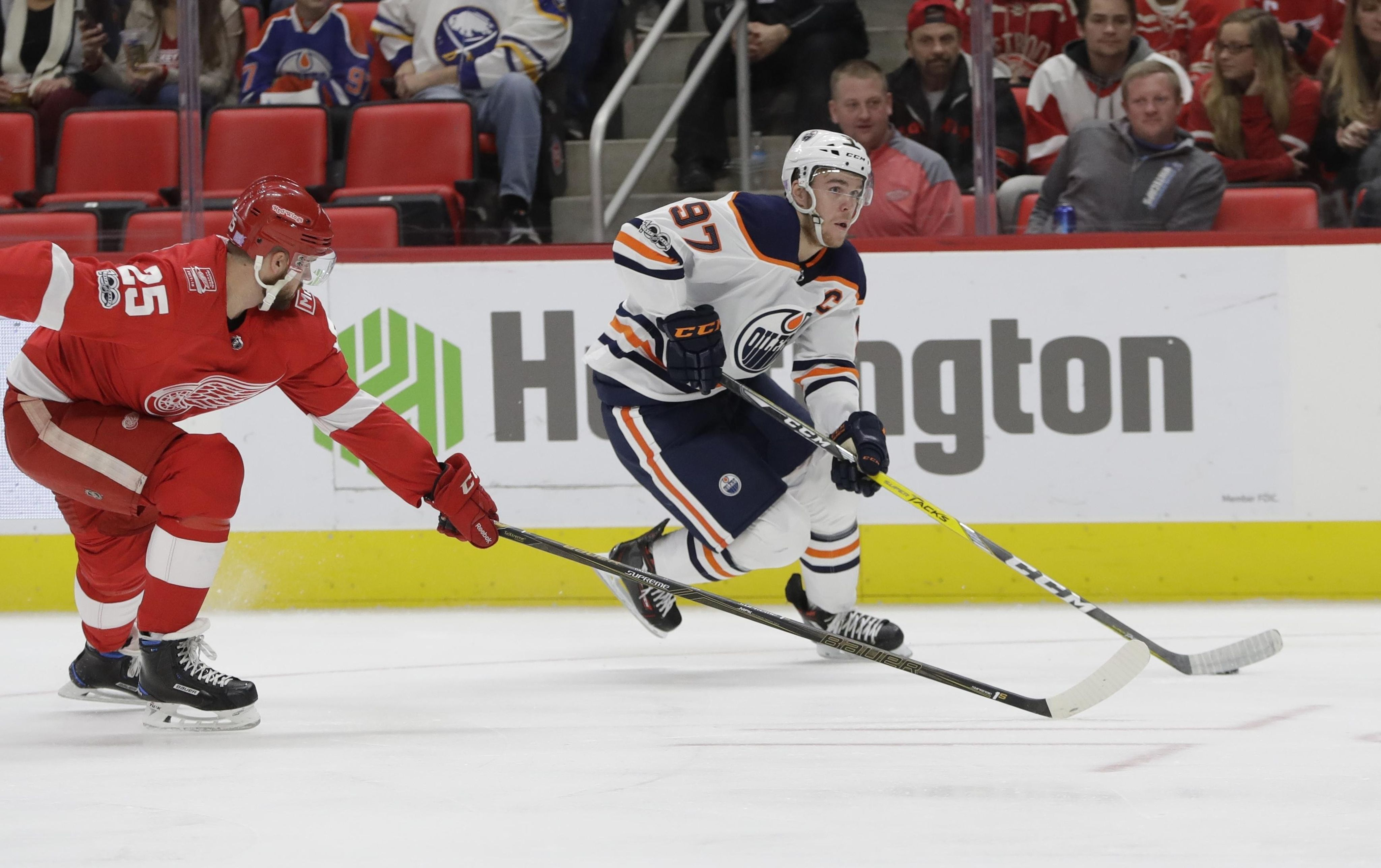 Oilers_red_wings_hockey_44728_s4096x2575