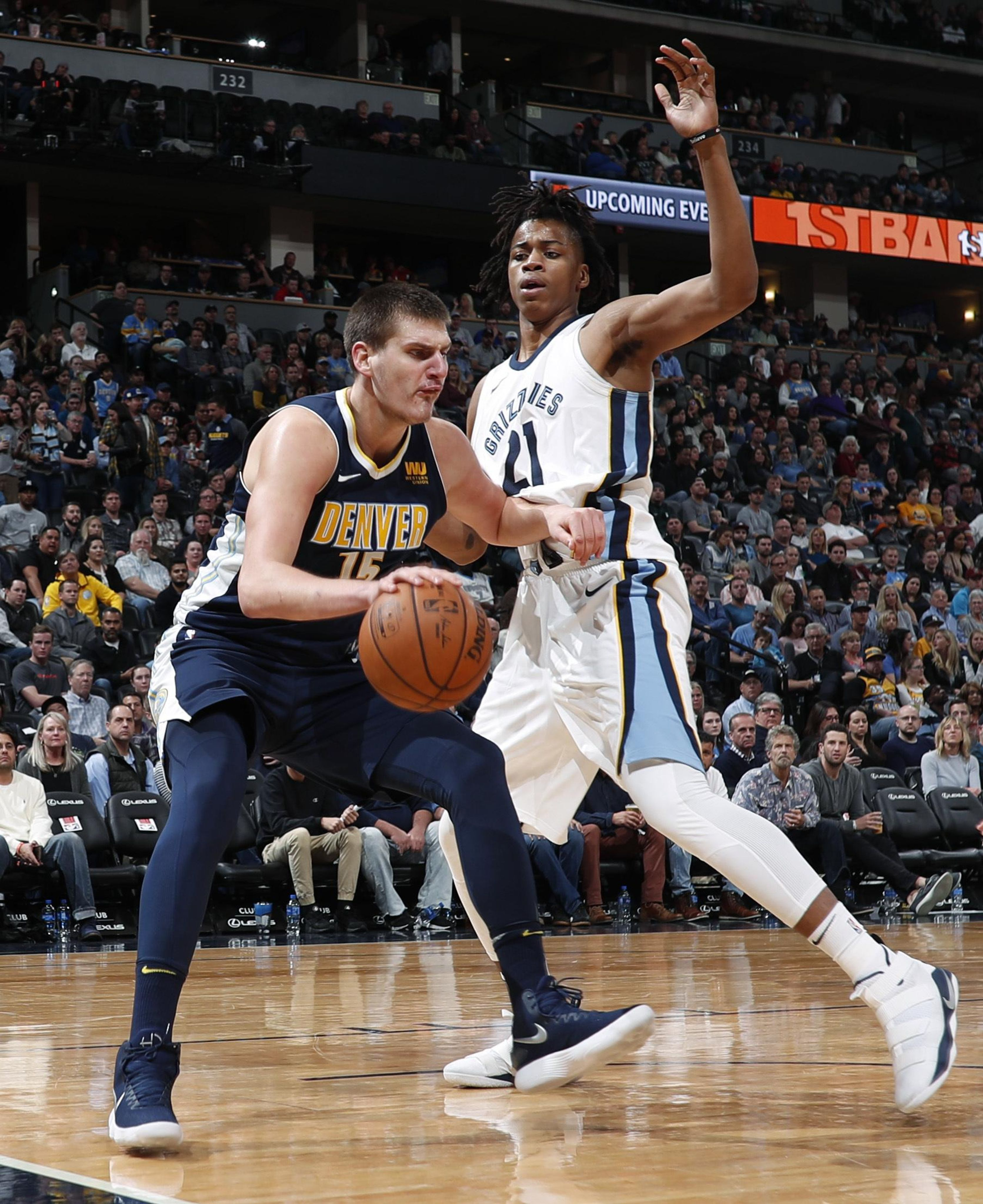 Grizzlies_nuggets_basketball_60128_s3343x4096