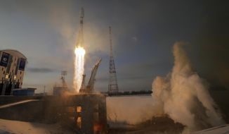A Russian Soyuz 2.1b rocket carrying Meteor M satellite and additional 18 small satellites, lifts off from the launch pad at the new Vostochny cosmodrome outside the city of Tsiolkovsky, about 200 kilometers (125 miles) from the city of Blagoveshchensk in the far eastern Amur region, Russia, Tuesday, Nov. 28, 2017. (AP Photo/Dmitri Lovetsky)