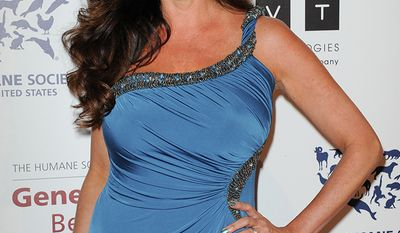 Lisa Guerrero worked her way from cheering for the Los Angeles Rams to a sideline reporter for the NFL. Since 2006, Guerrero has been an investigative correspondent for the nationally syndicated newsmagazine Inside Edition.