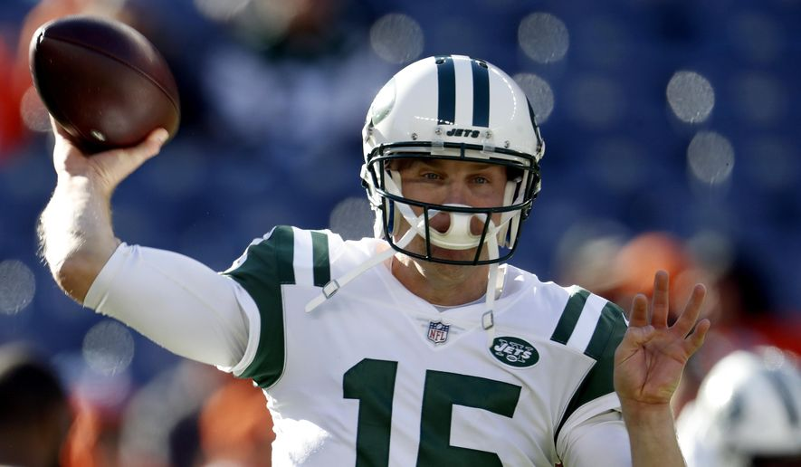 New York Jets quarterback Josh McCown (15) warms up prior to an NFL football game against the Denver Broncos, Sunday, Dec. 10, 2017, in Denver (AP Photo/Joe Mahoney) ** FILE **
