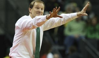 Oregon coach Dana Altman gestures during the second half the team's NCAA college basketball game against Colorado on Sunday, Dec. 31, 2017, in Eugene, Ore. (AP Photo/Chris Pietsch)