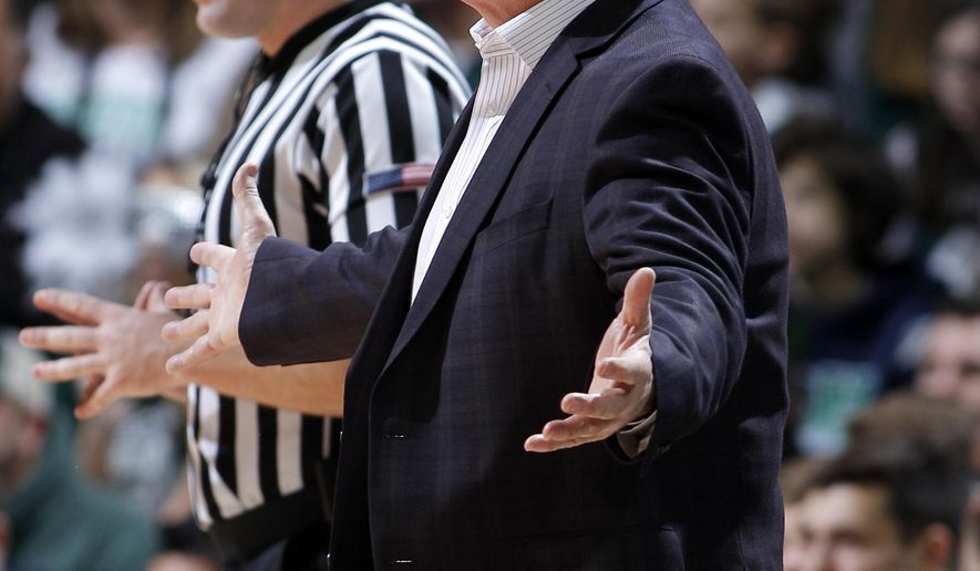 Michigan State coach Tom Izzo reacts during the first half of an NCAA college basketball game against Savannah State, Sunday, Dec. 31, 2017, in East Lansing, Mich. (AP Photo/Al Goldis)