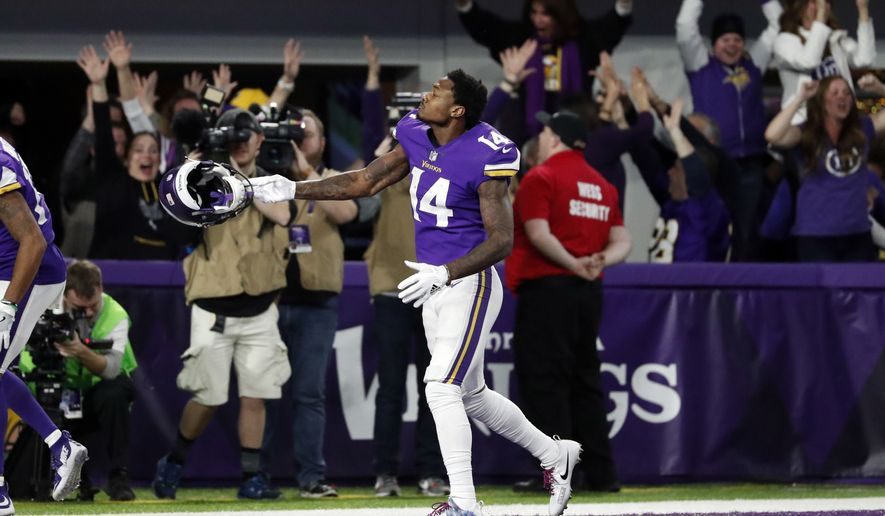 dd815f438e42 CORRECTS SPELLING TO DIGGS NOT RIGGS Minnesota Vikings wide receiver Stefon  Diggs (14) celebrates