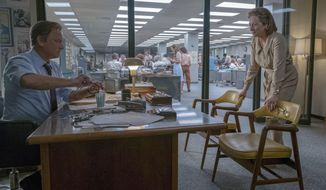 "In this image released by 20th Century Fox, Tom Hanks portrays Ben Bradlee, left, and Meryl Streep portrays Katharine Graham in a scene from ""The Post."" (Niko Tavernise/20th Century Fox via AP)"
