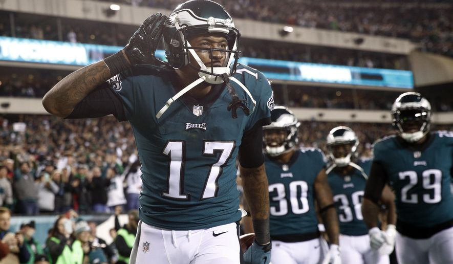 Philadelphia Eagles' Alshon Jeffery celebrates his touchdown pass during the first half of the NFL football NFC championship game against the Minnesota Vikings Sunday, Jan. 21, 2018, in Philadelphia. (AP Photo/Patrick Semansky)