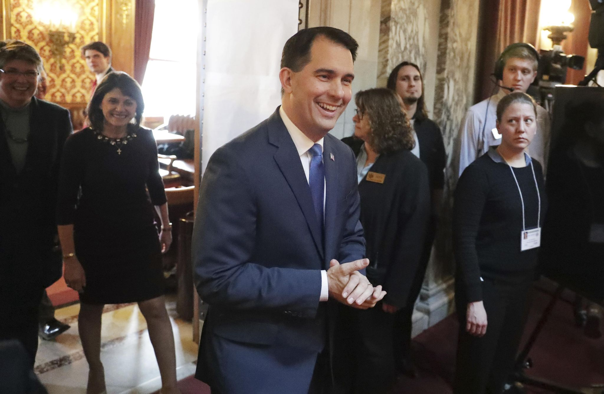 Scott Walker releases third ad in three weeks highlighting job training, manufacturing