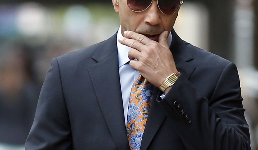 """FILE - In this Oct. 10, 2014 file photo, Joseph """"Skinny Joey"""" Merlino arrives at federal court in Philadelphia. The reputed Philadelphia mob boss known for beating murder raps and reinventing himself as a restaurateur is facing fraud charges in a federal trial in New York City. Opening statements are set for Tuesday, Jan. 30, 2018 in Manhattan. (Yong Kim/Philadelphia Daily News via AP, File)"""