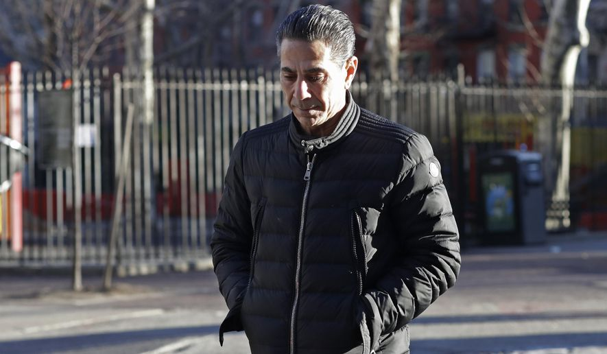 """FILE - In this Jan. 31, 2018 file photo, Joseph """"Skinny Joey"""" Merlino enters federal court in New York. On Tuesday Feb. 13, 2018 the jury hears closing statements in the trial of Merlino, a reputed Philadelphia mob boss accused of returning to a life of crime after his release from prison. (AP Photo/Mark Lennihan, File)"""