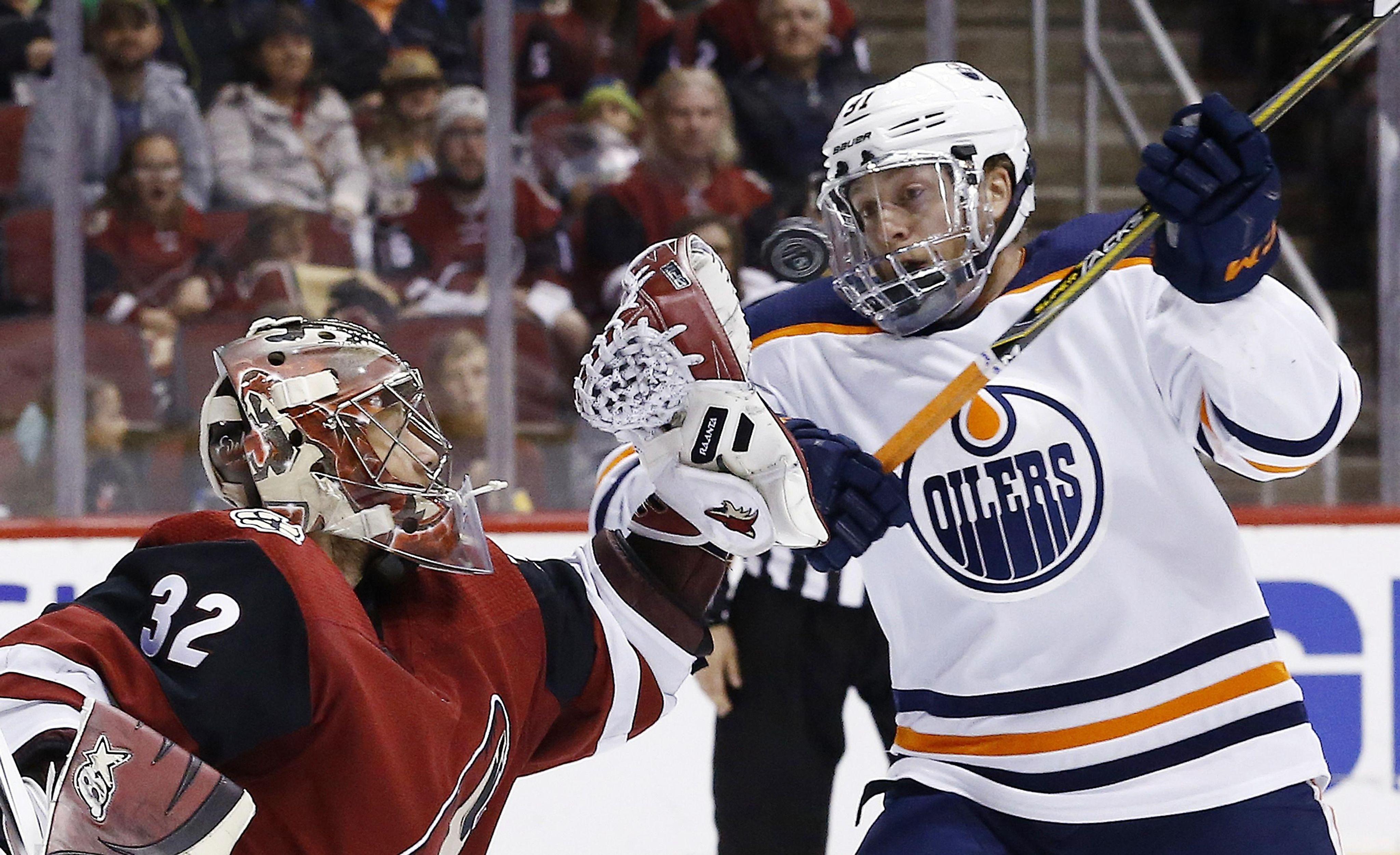 Oilers_coyotes_hockey_62192_s4096x2502