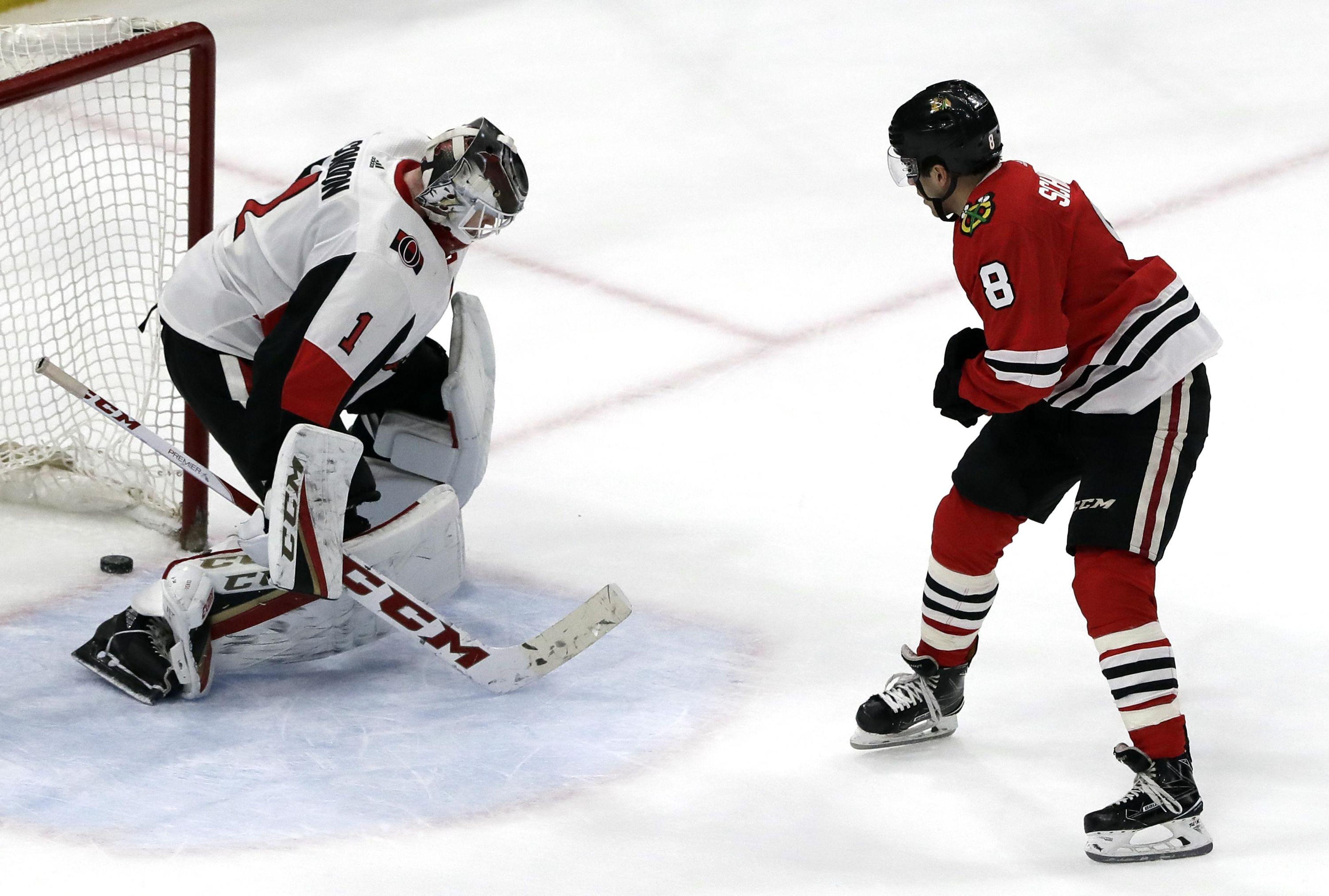 Senators_blackhawks_hockey_12755_s4096x2761