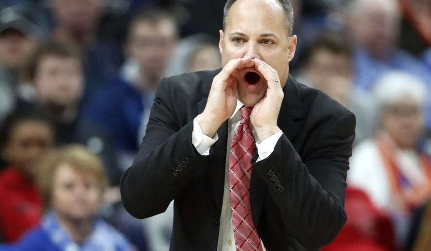 Georgia head coach Mark Fox yells from the sidelines during the first half in an NCAA college basketball game against Vanderbilt at the Southeastern Conference tournament Wednesday, March 7, 2018, in St. Louis. (AP Photo/Jeff Roberson)