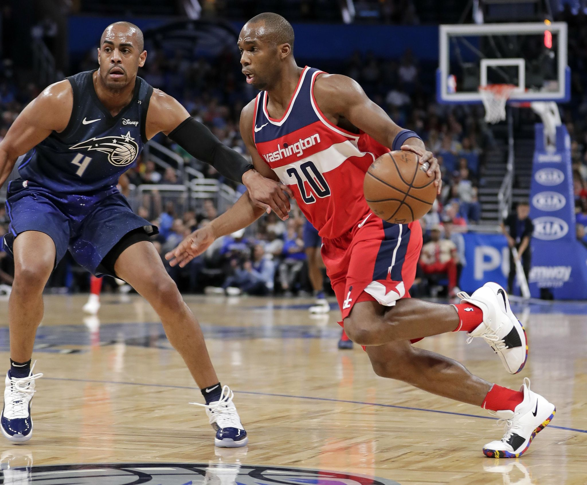 Wizards_magic_basketball_48931_s2048x1691