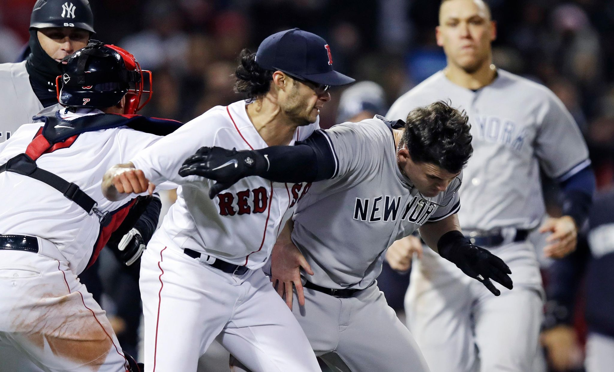 Yankees_red_sox_baseball_79259_s2048x1242
