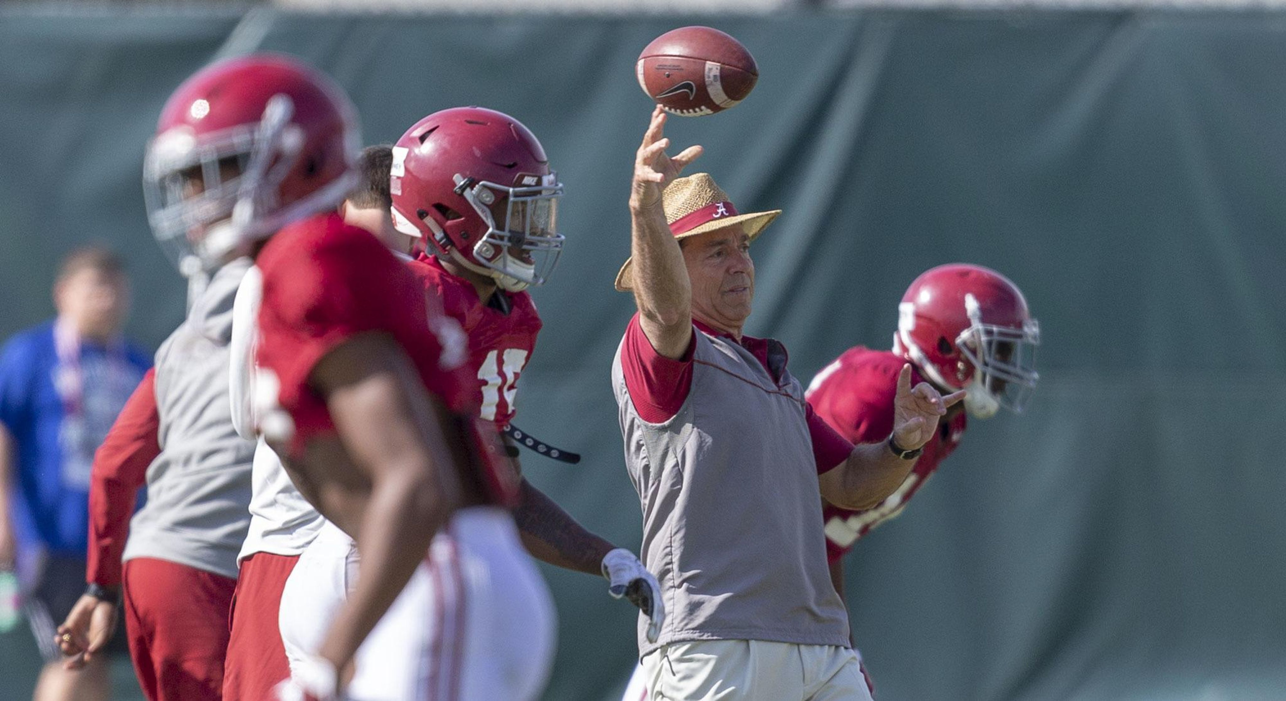 Alabama_practice_football_41895_s4096x2235