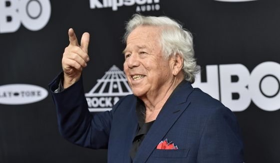New England Patriots owner Robert Kraft arrives on the red carpet before the Rock and Roll Hall of Fame induction ceremony, Saturday, April 14, 2018, in Cleveland. (AP Photo/David Richard) ** FILE **