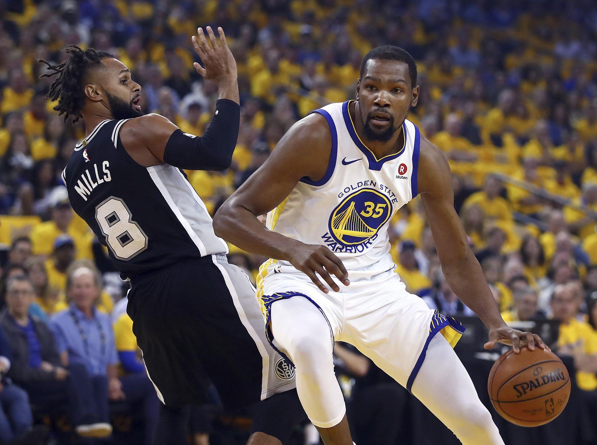Spurs_warriors_basketball_55473_s2048x1526