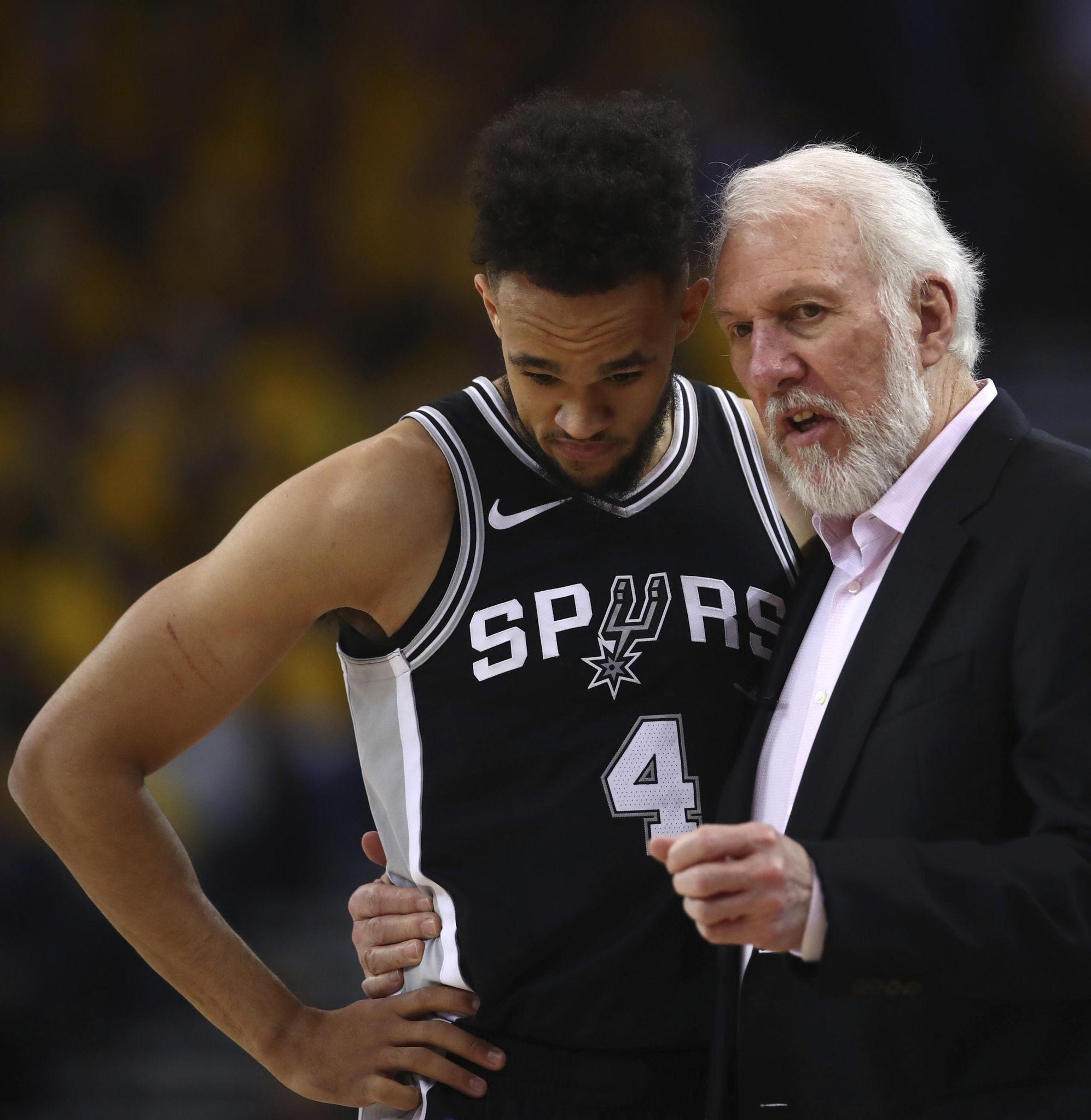 Spurs_warriors_basketball_48982_s1994x2048