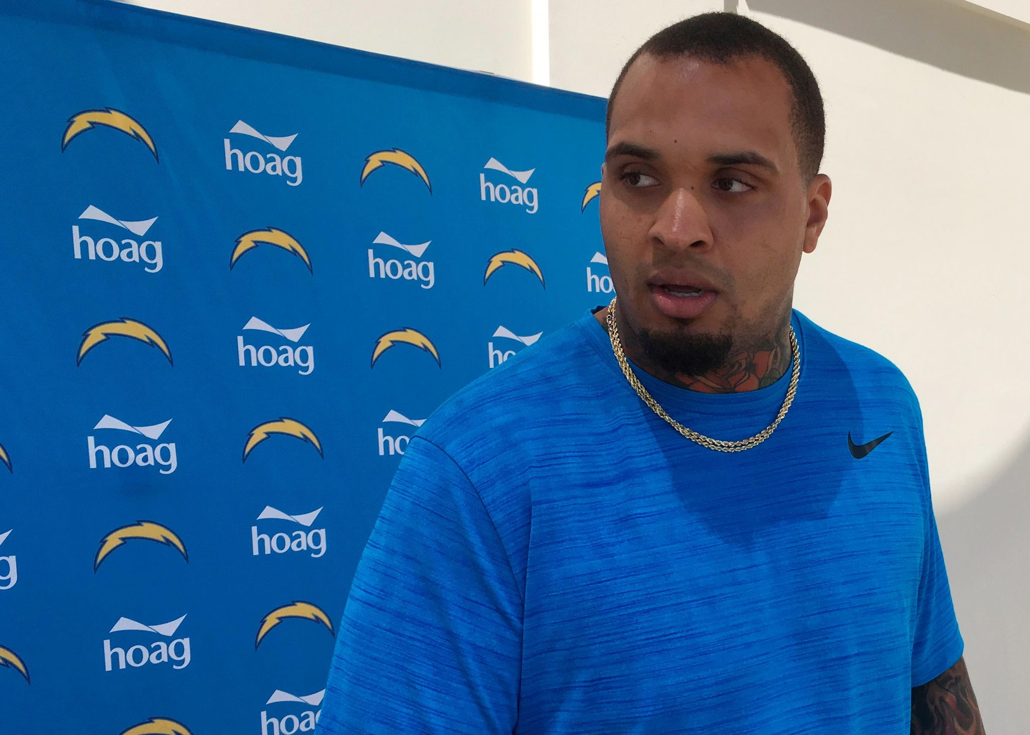 Chargers_pouncey_football_06643_s2048x1463