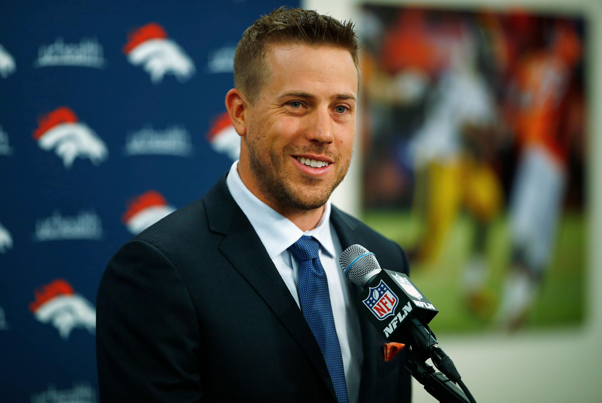 Broncos_keenum_football_64351_s2048x1373