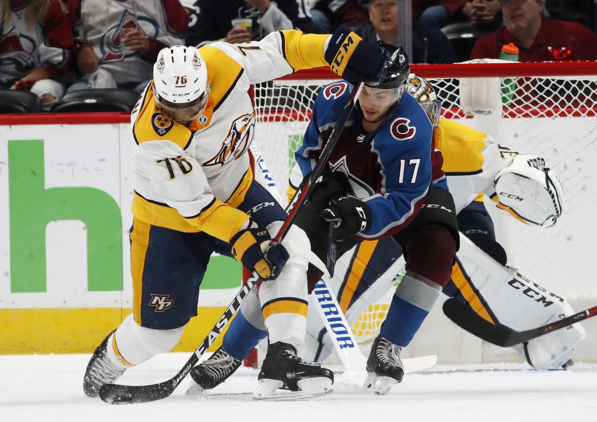Predators_avalanche_hockey_88948_s2048x1449