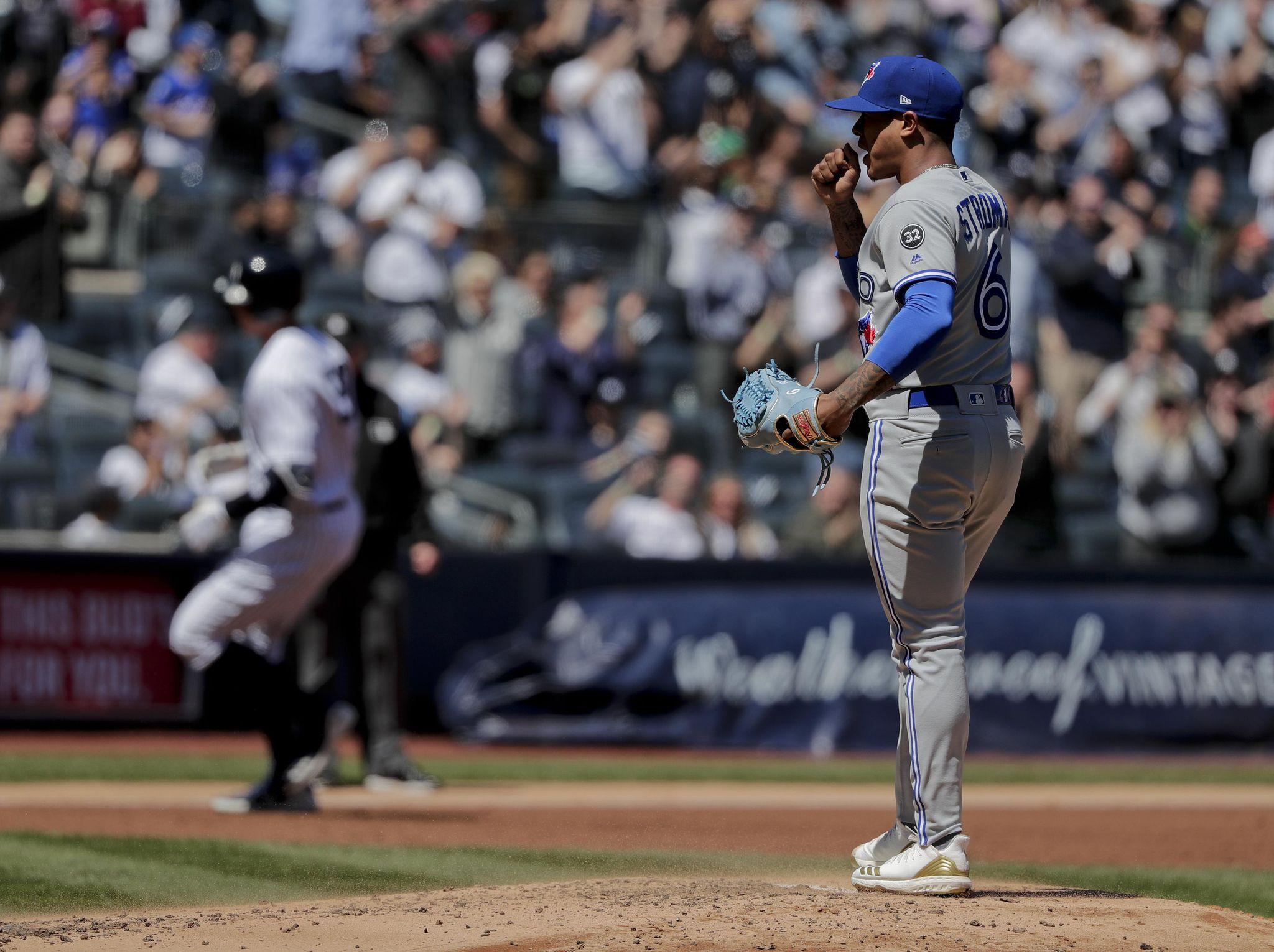 Blue_jays_yankees_baseball_82452_s2048x1531
