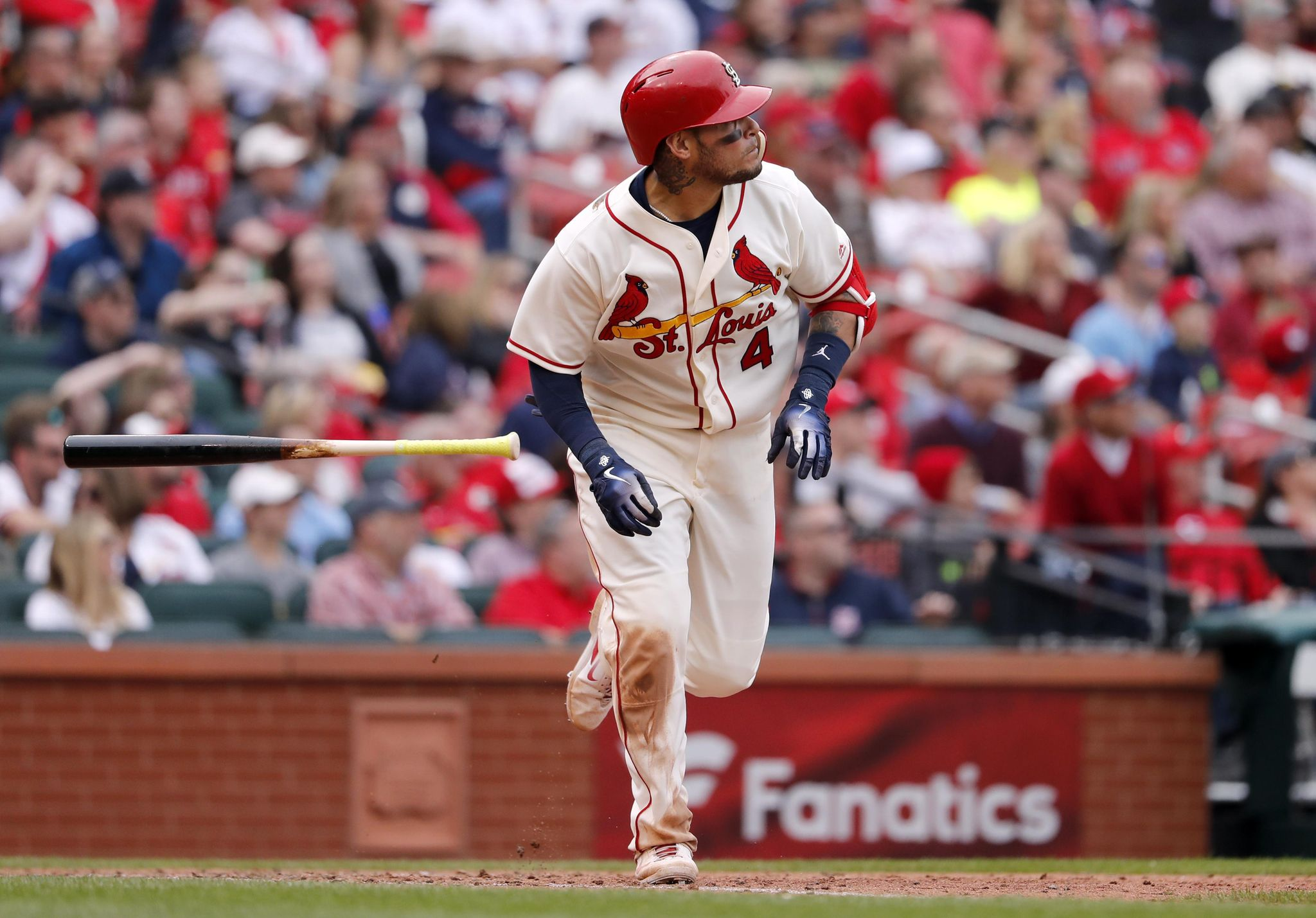 Reds_cardinals_baseball_52197_s2048x1429