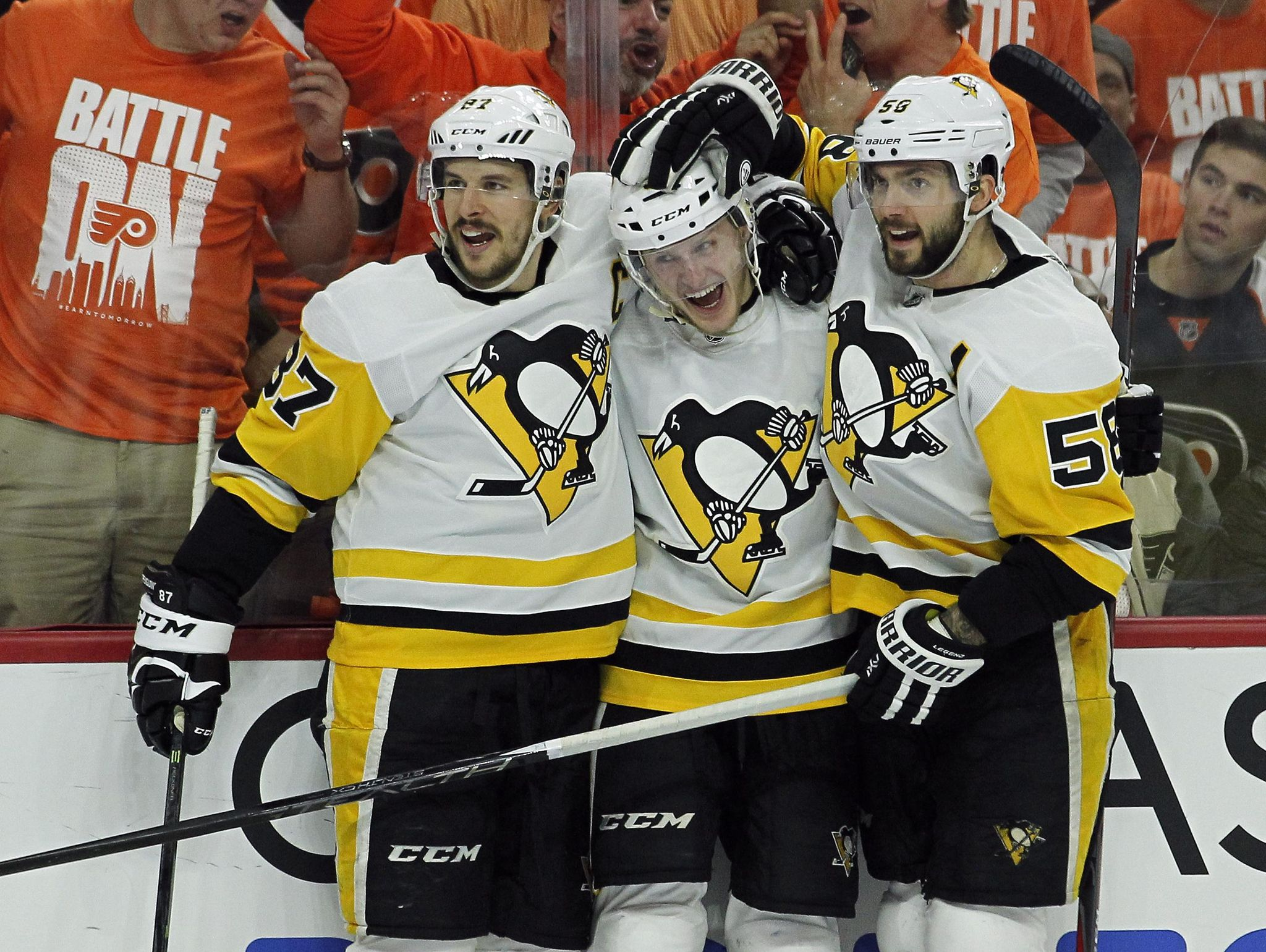 Penguins_flyers_hockey_45708_s2048x1540