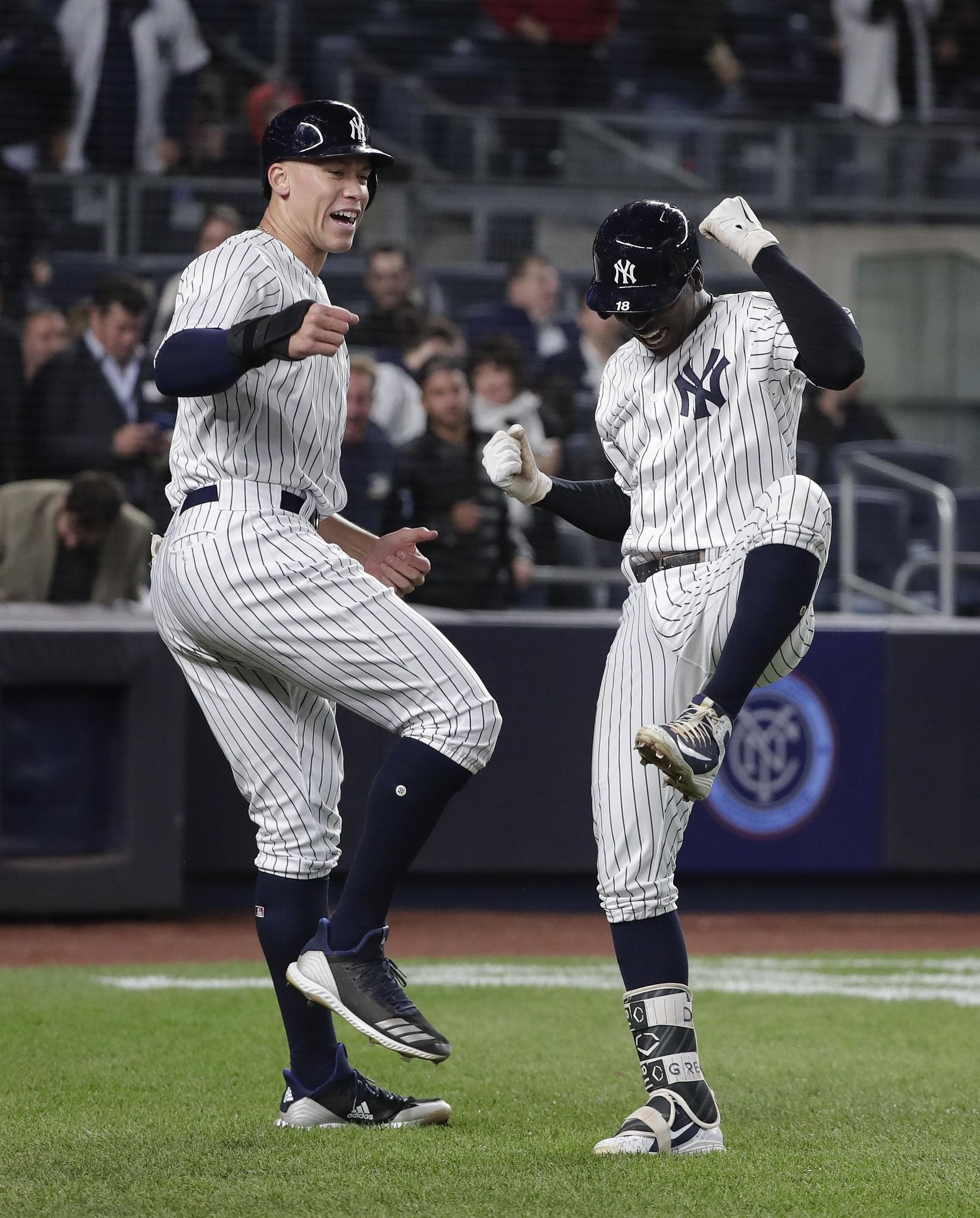 Aptopix_twins_yankees_baseball_58331_s1648x2048