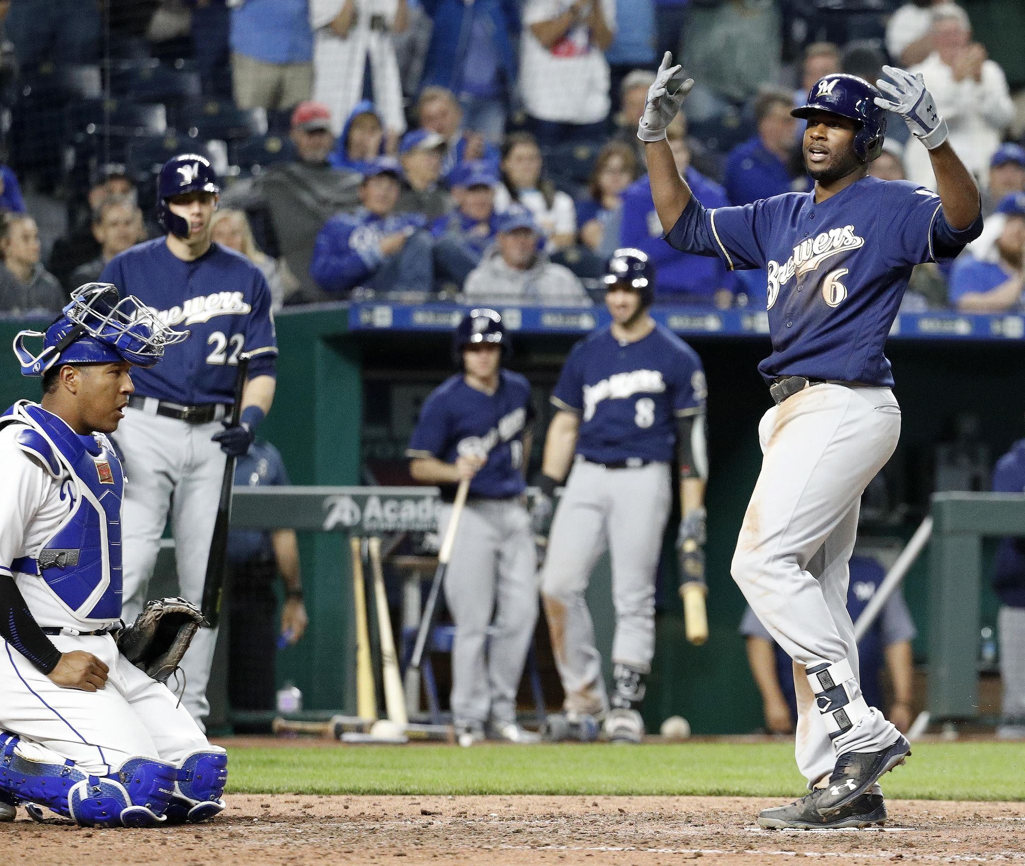 Brewers_royals_baseball_78293_s2048x1730