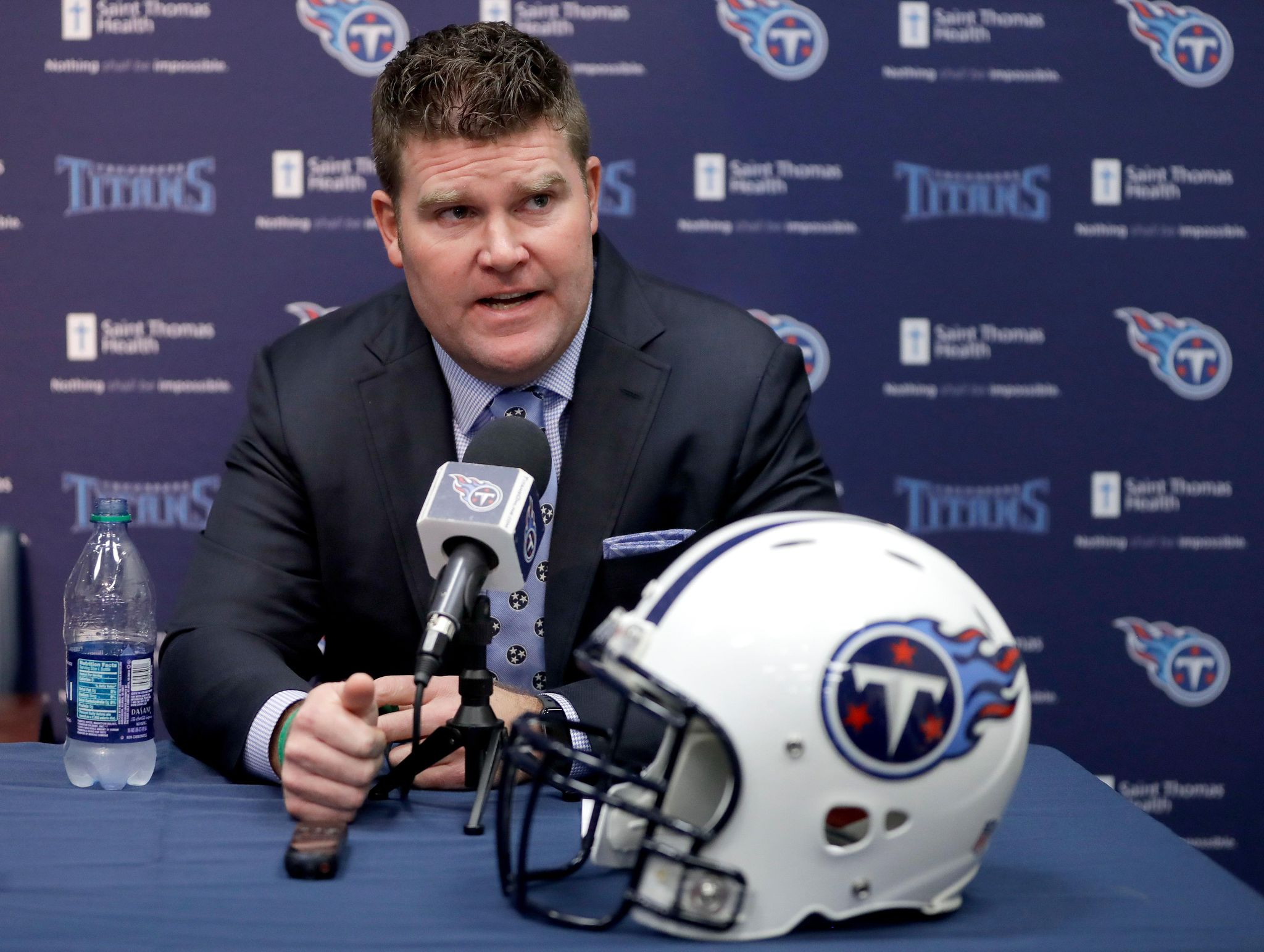 Titans_draft_preview_football_91153_s2048x1543