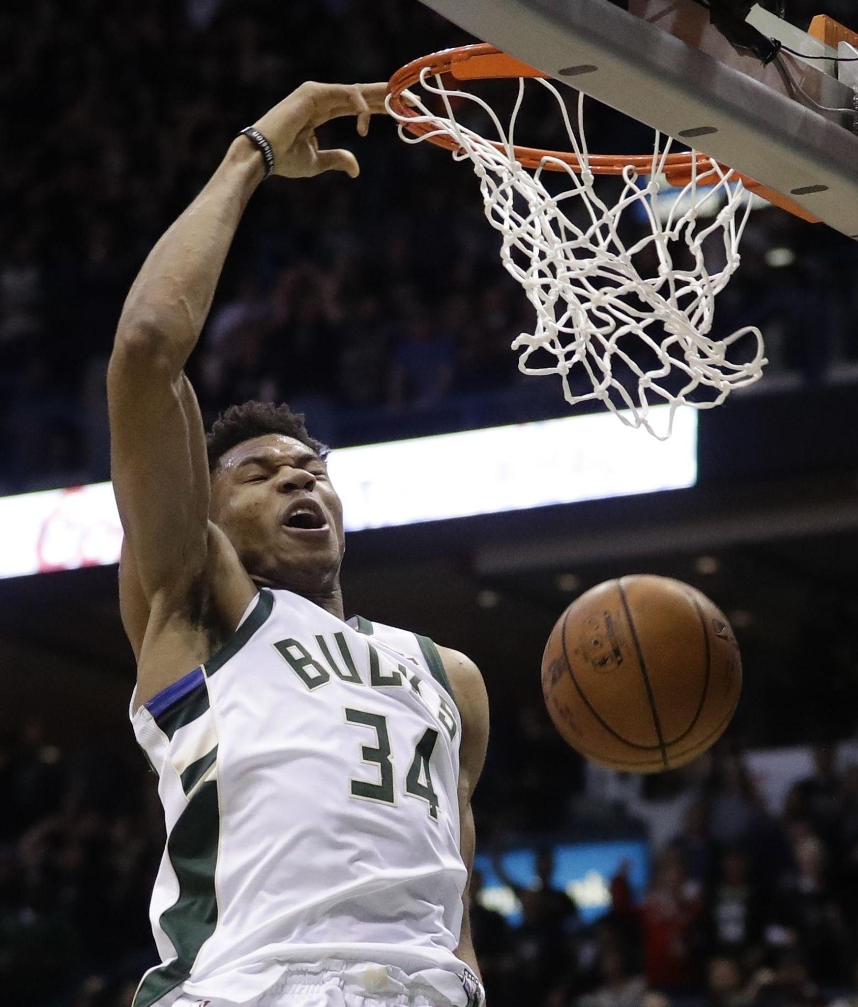 Celtics_bucks_basketball_86095_s1745x2048