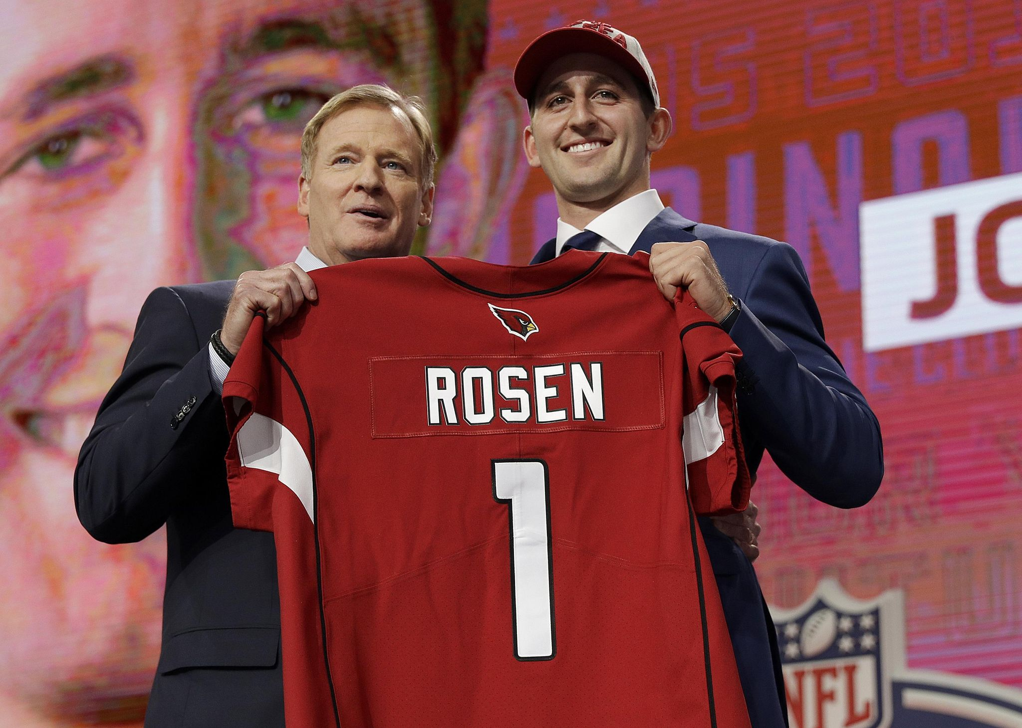 Nfl_draft_football_68040_s2048x1460